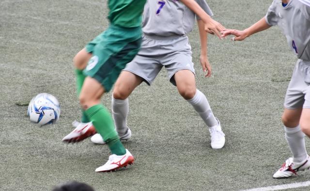 サッカーの試合画像