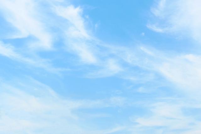 薄雲と澄んだ空画像